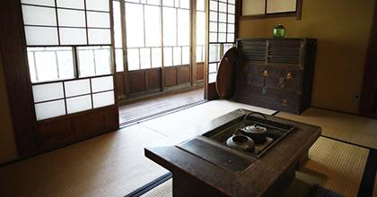 没後100年を迎えた夏目漱石のテキストを 「都市空間」の観点から読む