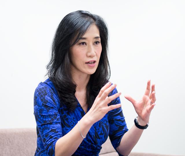 横川 綾子