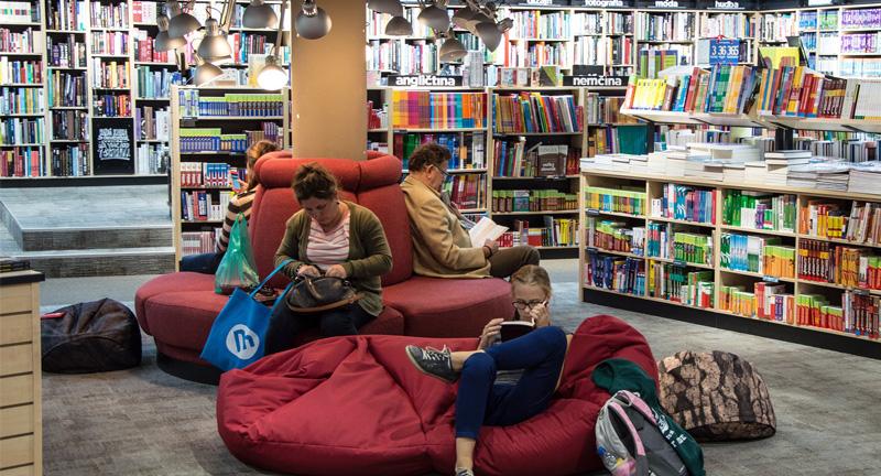 いま、地域活性化の目玉として変貌する公立図書館に注目したい