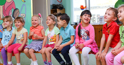 子どもを語学の天才にするために、大人は工夫の天才になろう