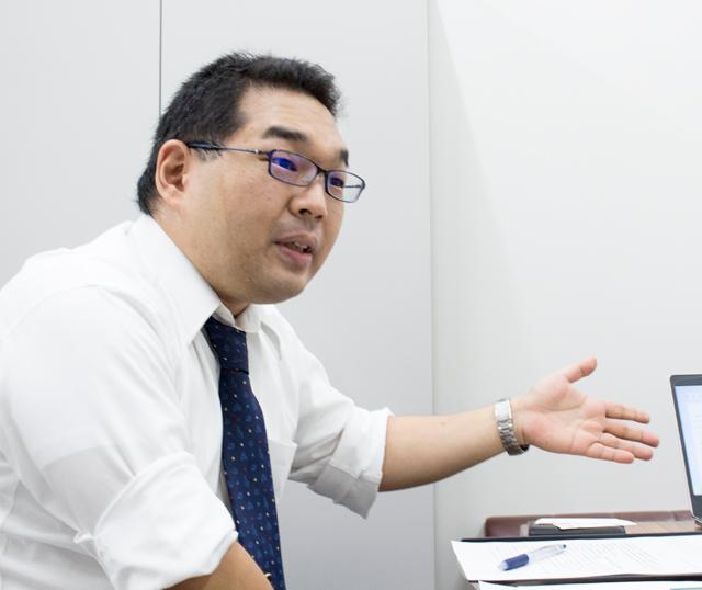 早川 智一