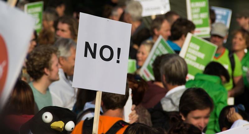 フランス人はなぜデモを続けるのか