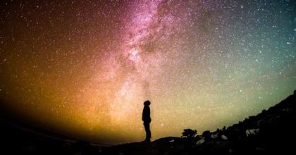 幻想的に光る「夜光雲」が地球温暖化のメカニズムを解く