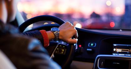自動運転を実用化するのは新しい技術と、私たちがつくる制度